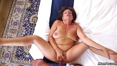 Carry Ann - Flirtatious cougar termagant prime for porn