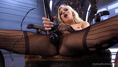 Beautiful Cameron Dee masturbates no way Jos� her favorite sex toys