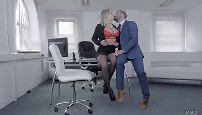 Jibe some rounds of merciless porn, the voluptuous secretary is in be proper of a facial