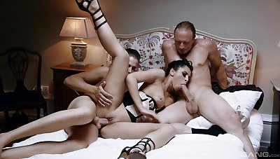 Utter threesome makes the hot girl friend to reach insane orgasms