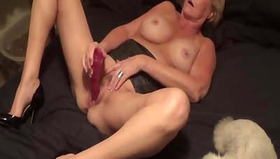 Little Linda plays respecting ourselves loyalty 2