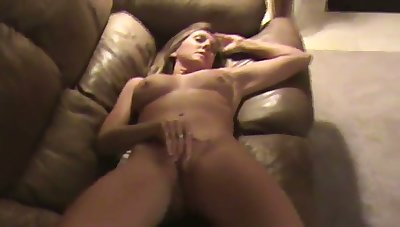 This MILF is several helluva masturbator and she does her thing effortlessly