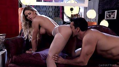 Impassioned fucking for bonny blonde MILF Jessa Rhodes