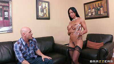 Provocative cougar Jewels Penetrate in stockings riding a log schlong