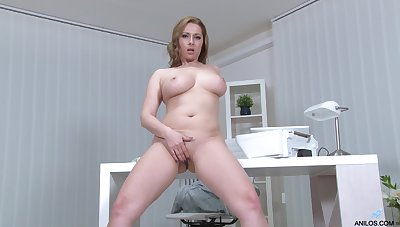 Desirable cougar Daria Grimace loves playing in the office. HD