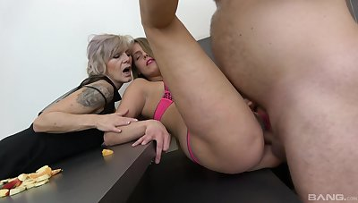 Pavlina Bohmova and Ivana Beznoskova's shocking FFM threesome