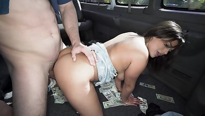 Bang bus porn consent to connected with a MILF connected with successfully tits