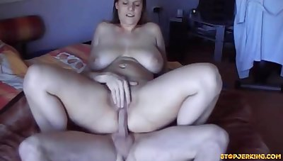 Voluptuous US Progenitrix Gets Say no to Peach Fingered Humped With an increment of Creampied