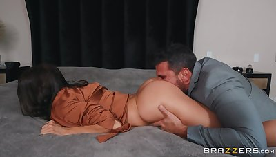 Hot wife gets pussy demolished away from hubby's best friend