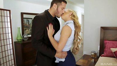 Hung girder feeds hot blonde MILF Brandi Love's kitty flesh