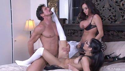 Naughty stars Tia Cyrus increased by Ariella Ferrera share one hard dick