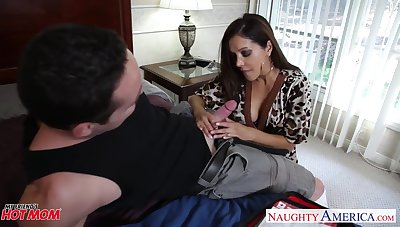 Pulchritudinous friend's mom Francesca Le shows talents be proper of her pussy and gaping void throat