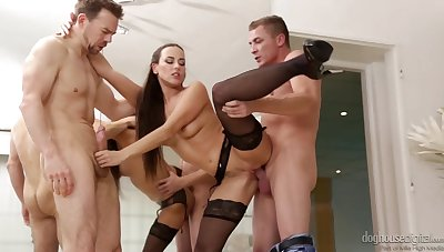 Breathtakingly sexy MILF Mea Melone can handle an shooting double penetration