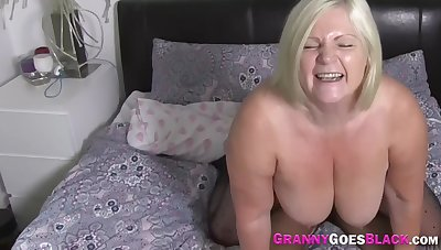 Snatch Eaten Mature Old bag Gets Fucked Wits Big Sombre Cock