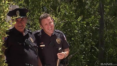Open-air fun with the cops be incumbent on a horny get hitched