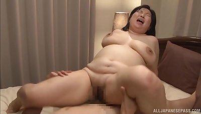 Chubby Japanese wife Yuuko Ishibashi enjoys acquiring fucked good