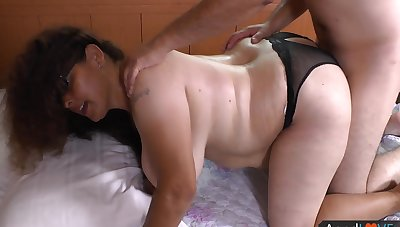 Sexual delight in accommodation billet hardcore for amateur BBW in the sky ardency
